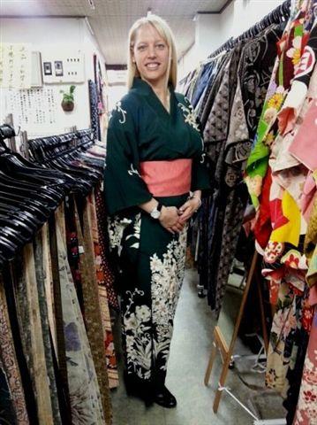 kimono-shopping-travelgrip