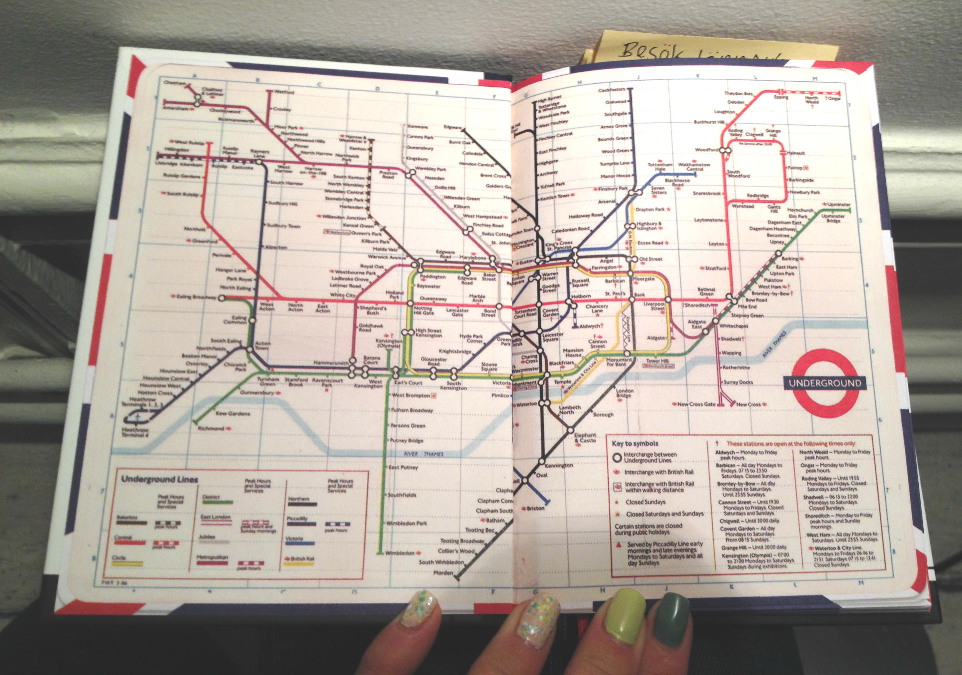 Mind-the-gap-london-guidebok-travelgrip-2