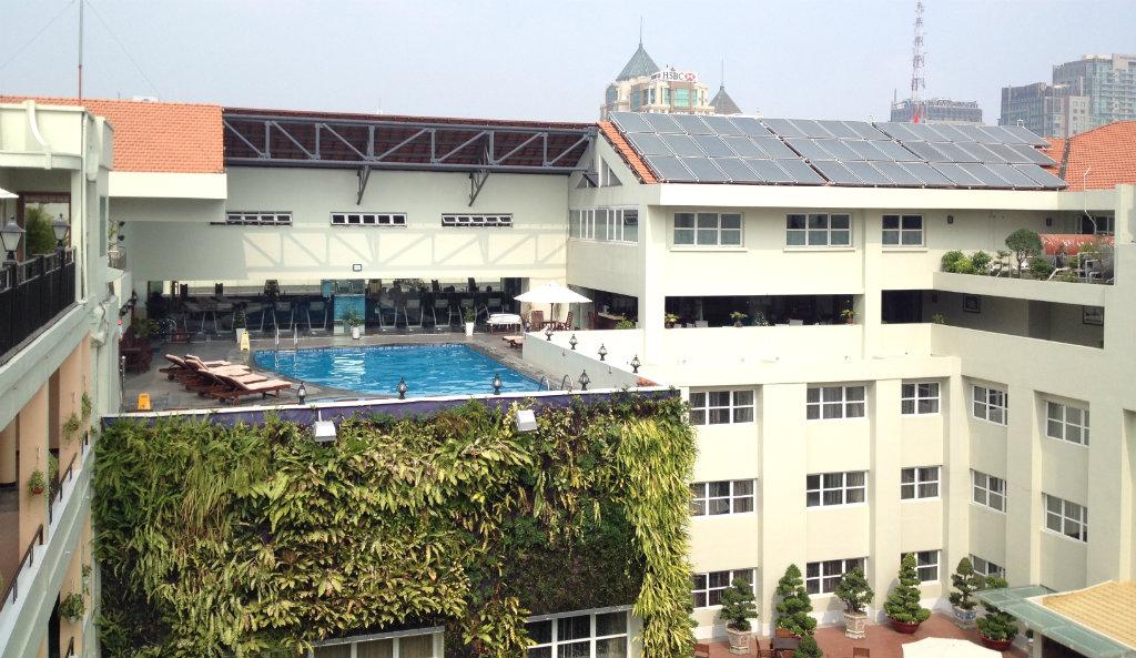 Rex-Hotel-Ho-chi-minh-Saigon-pool-travelgrip-1