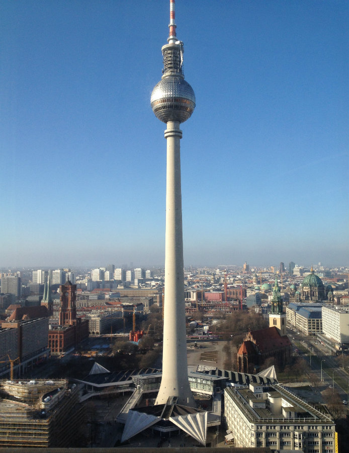 Berlin-TV-tornet-Alexanderplatz-Travelgrip