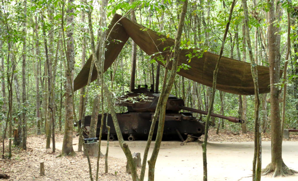 Cu-Chi-tunnels-saigon-vietnam-travelgrip-3