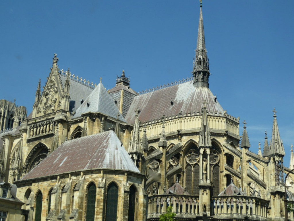 cathedral-reims-champagne-france-travelgrip
