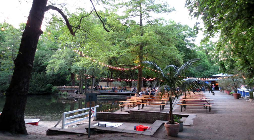 Cafe-am-Neuer-See-Berlin-Biergarten-TravelGrip- (4)