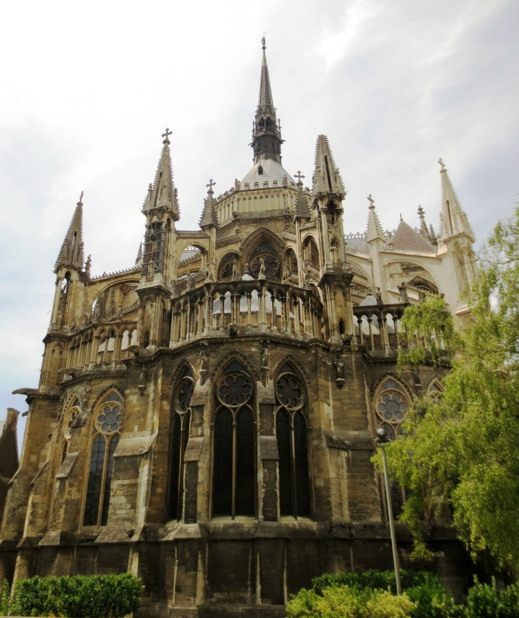 katedral-reims-champagne-france-travelgrip