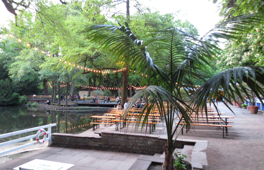 Cafe-am-Neuer-See-Berlin-Biergarten-TravelGrip- (5)