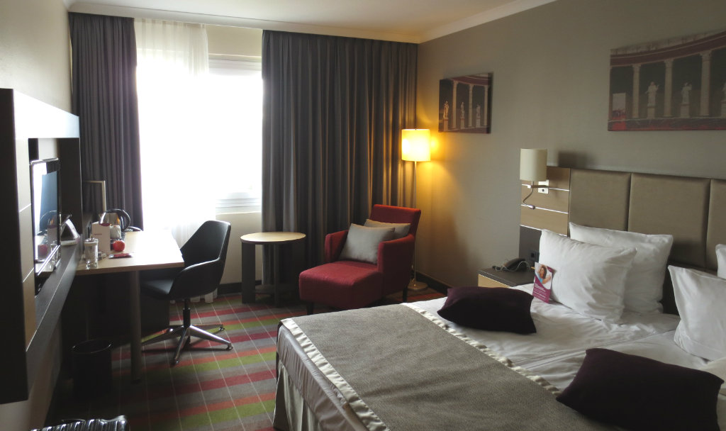 Crowne-Plaza-Berlin-Kudamm-TravelGrip-1