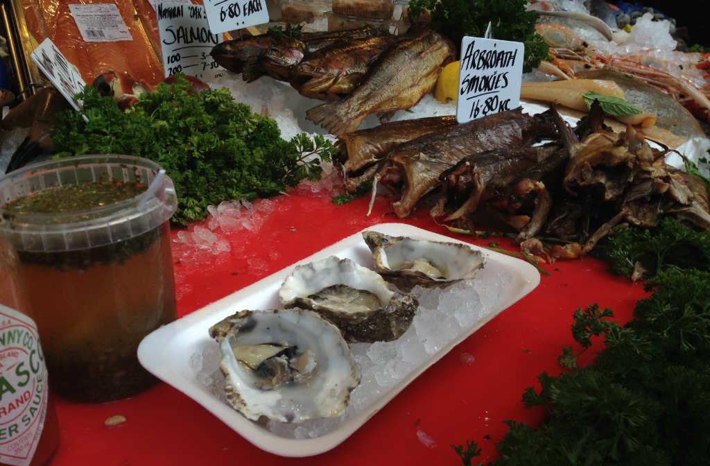 ostron-frukost-borough-market-london-travelgrip