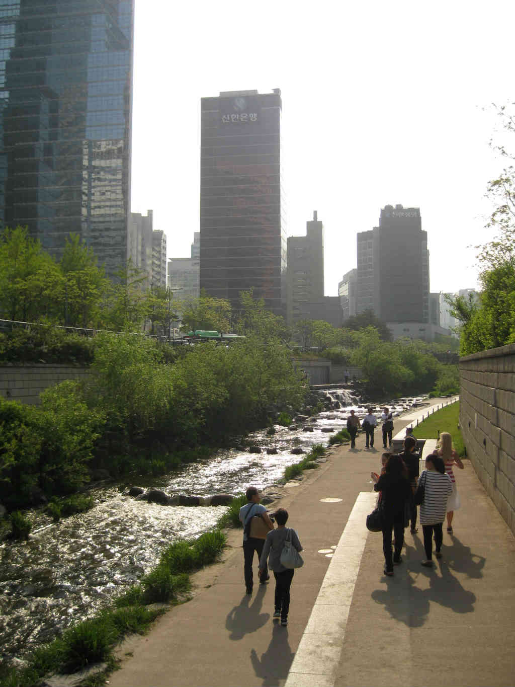 Seoul-Korea-Cheonggyecheon -TravelGrip