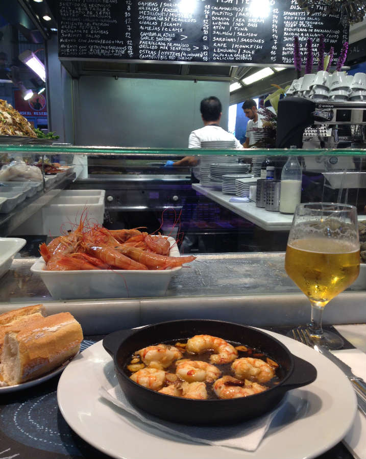Gambas-tapas-Boqueria-Barcelona-TravelGrip