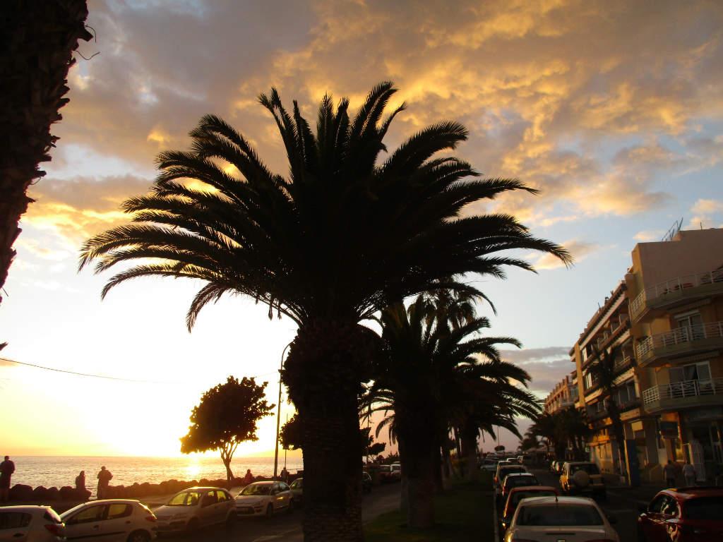 Solnedgång-Playa-San-Juan-Teneriffa-Kanarieöarna-TravelGrip
