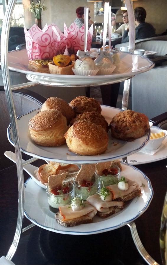 Afternoon-tea-Grand-Hotel-TravelGrip