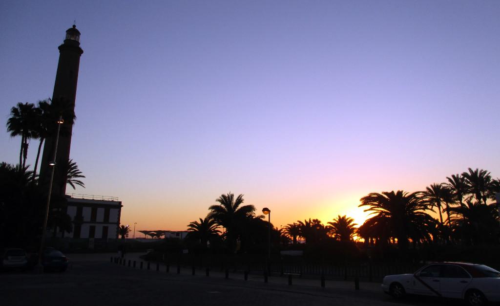 Maspalomas-fyr-solnedgång-TravelGrip