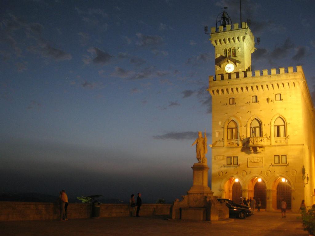 San-Marino-torg-TravelGrip