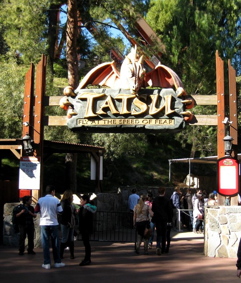 Sixflags-Tatsu-Kalifornien-TravelGrip