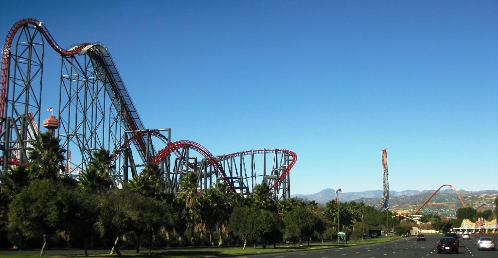 Sixflags-bergochdalbana-Kalifornien-TravelGrip