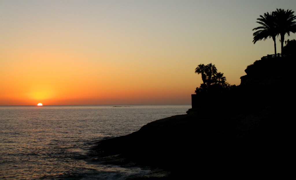 Solnedgång-i-Playa-de-Duque-Teneriffa-TravelGrip