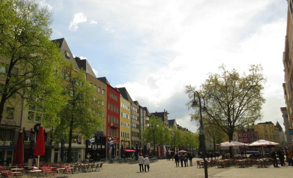 Köln-cntrum-torget-Heumarkt-TravelGrip