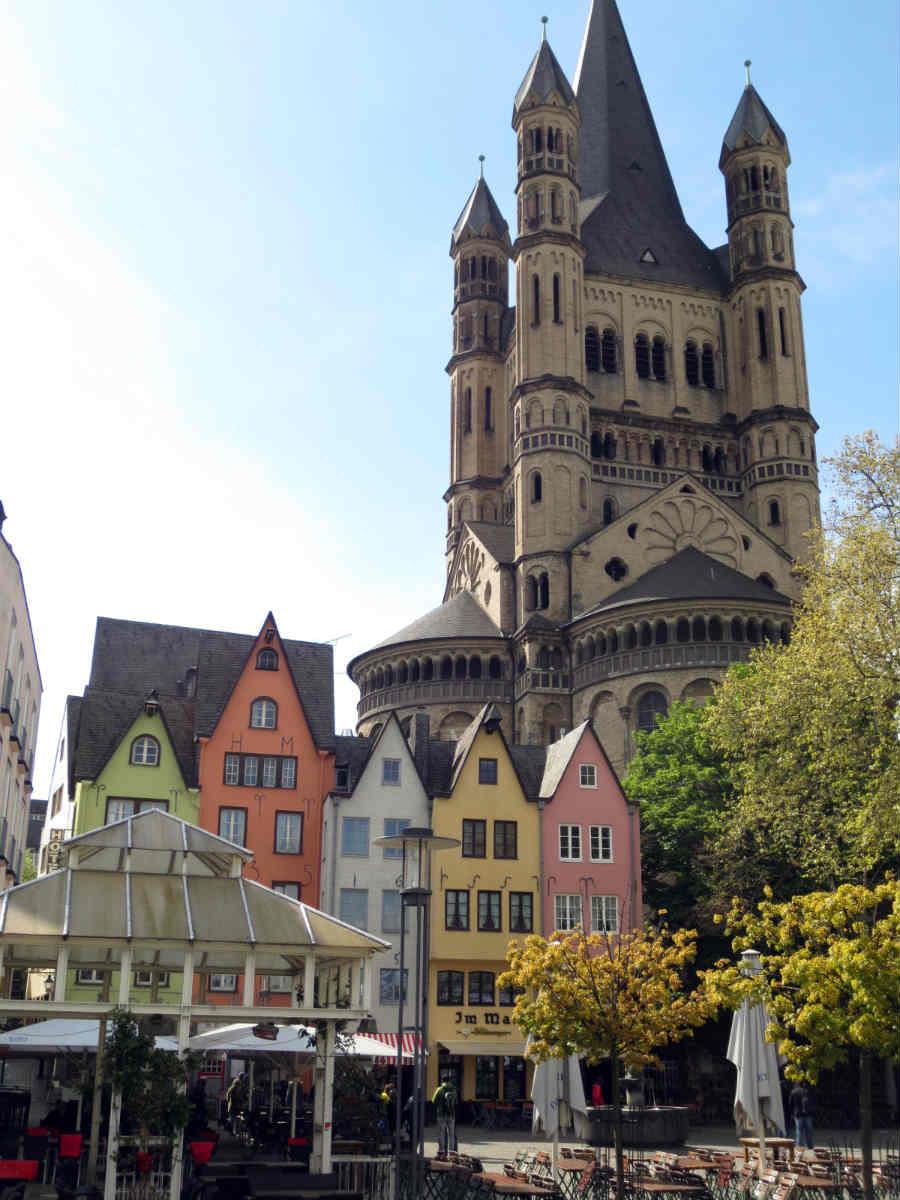 Kölns-karaktäristiska-byggnader-TravelGrip