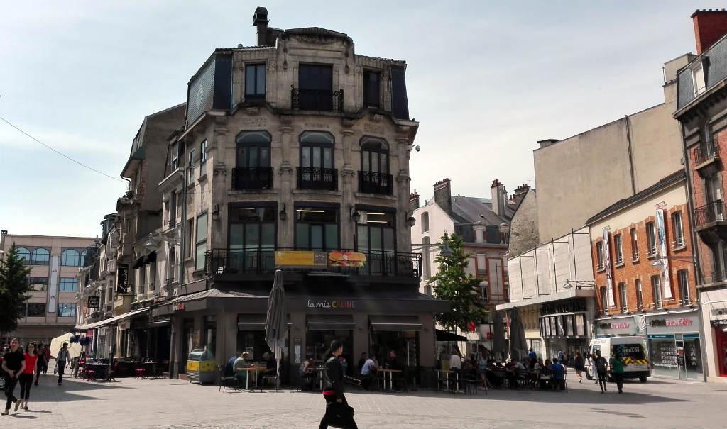 Resa-till-Reims-Place-Drouet-d-Erlon-TravelGrip-2