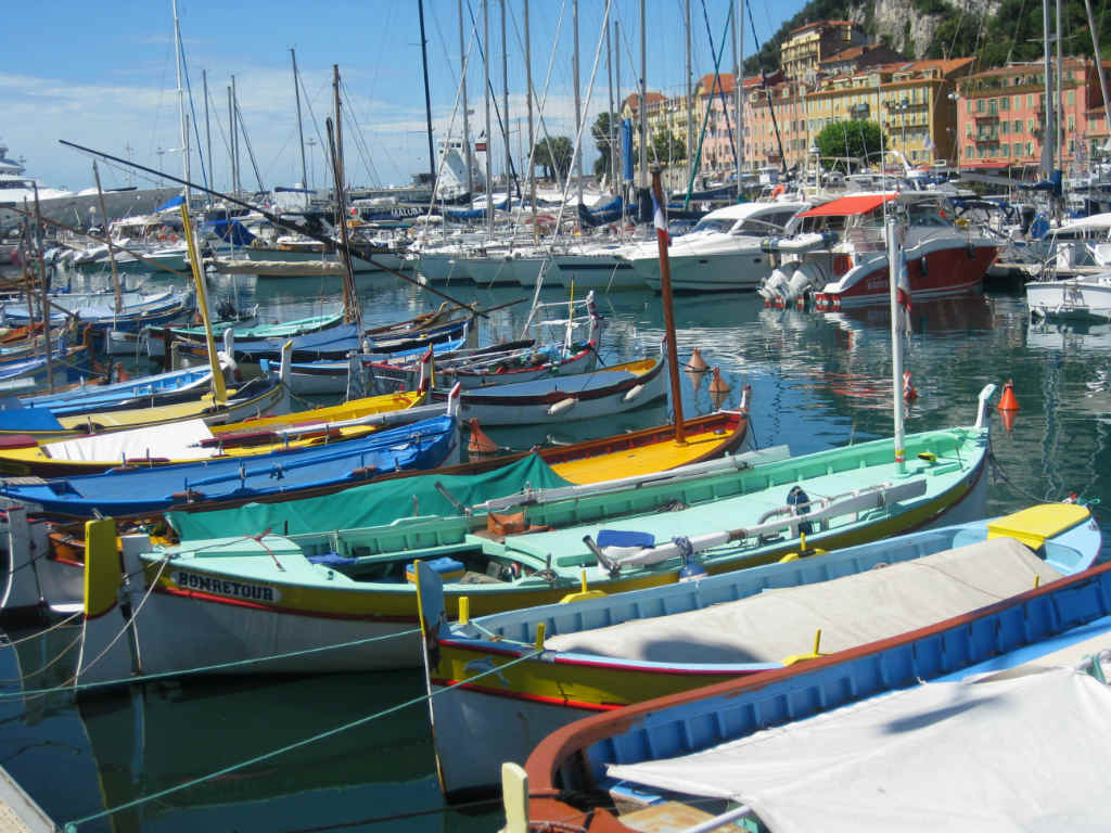 SMåbåtshamn-Nice-Cote-d-Azur-Frankrike-TravelGrip