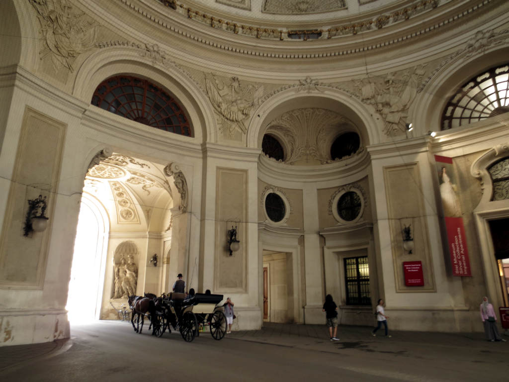 Weekend-i-Wien--Hofburg-passage-TravelGrip