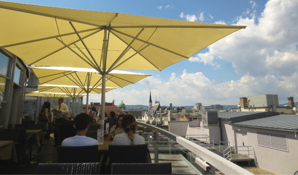 Weekend-i-Wien-Steffl-skybar-TravelGrip