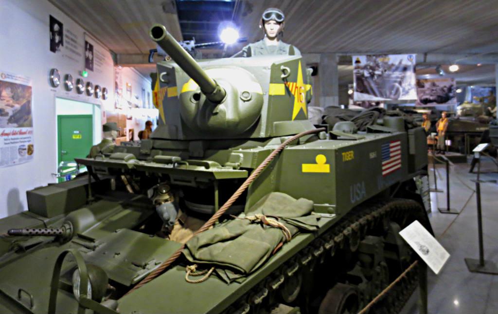 Äg-din-egen-pansarvagn-från-andra-världskriget-TravelGrip