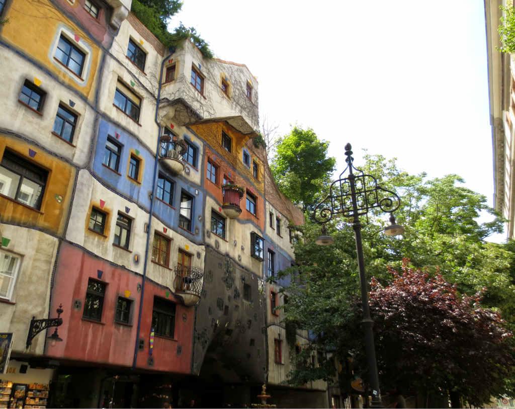 Hundertwasserhaus-Wien-TravelGrip-2