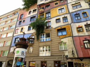 Hundertwasserhaus-Wien-TravelGrip