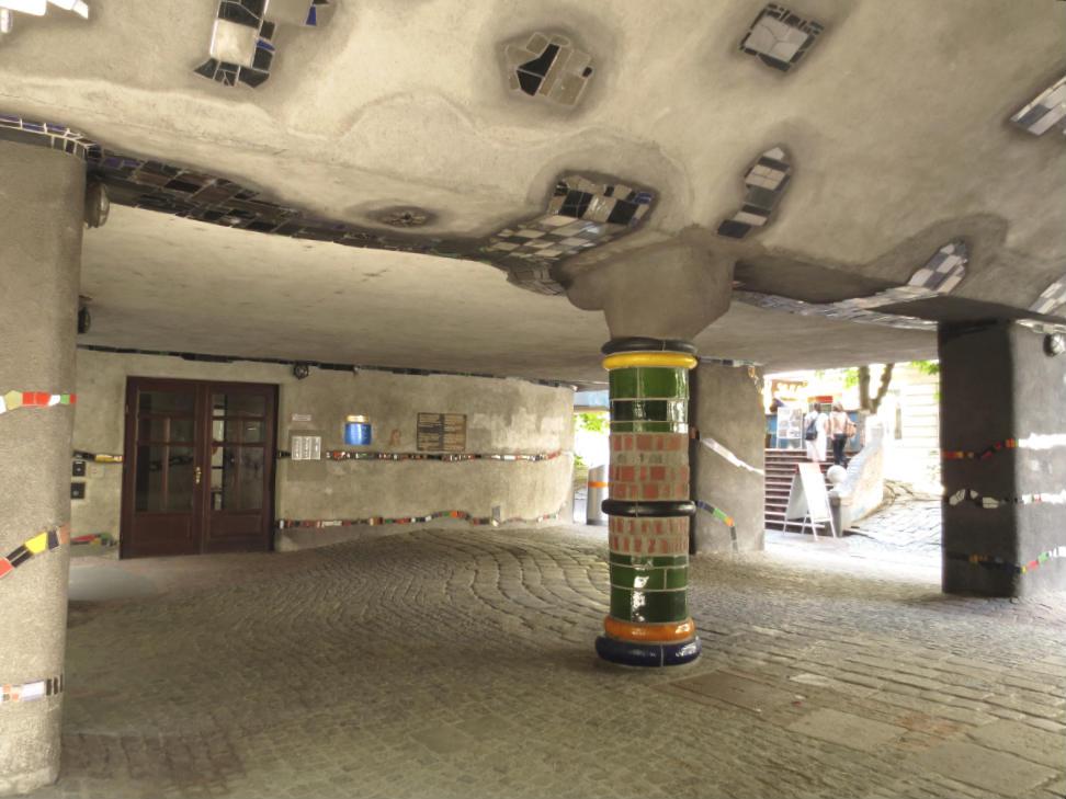 Hundertwasserhaus-Wien-TravelGrip-8