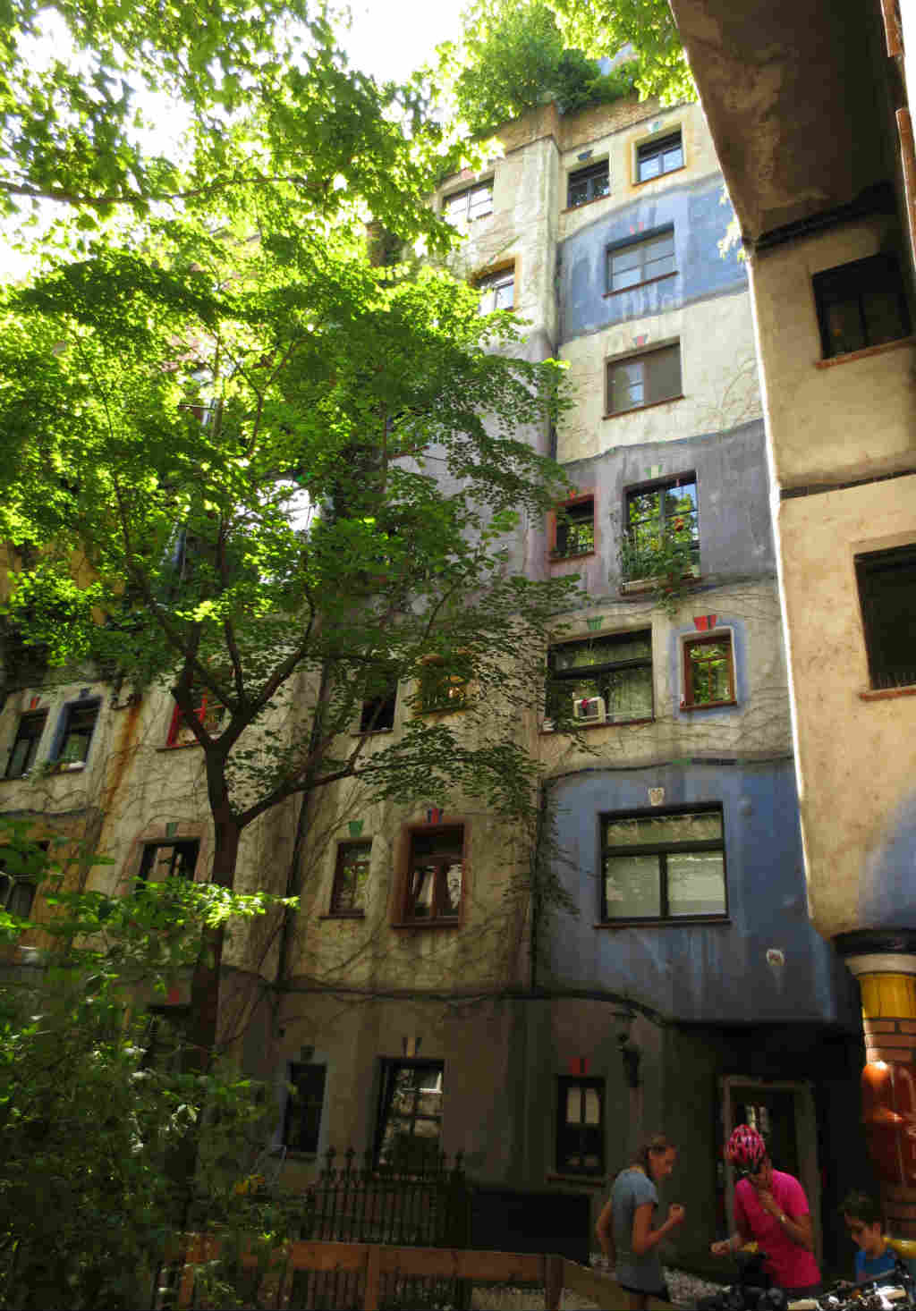 Hundertwasserhaus-Wien-TravelGrip-9