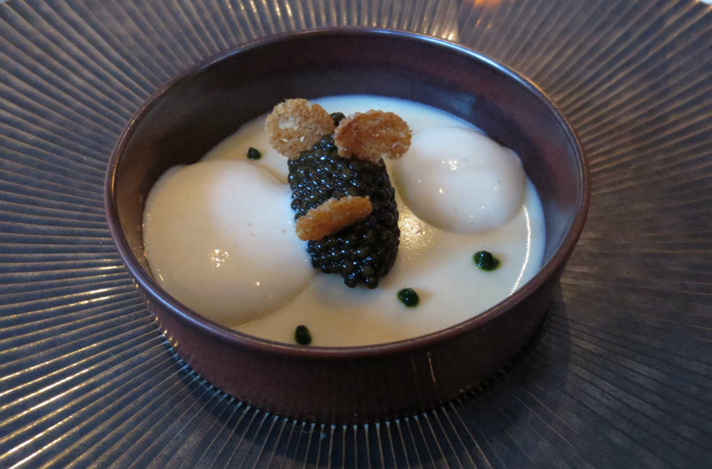 L-Assiette-Champenoise-Kaviar-potatismousse-fisk-Reims-TravelGrip