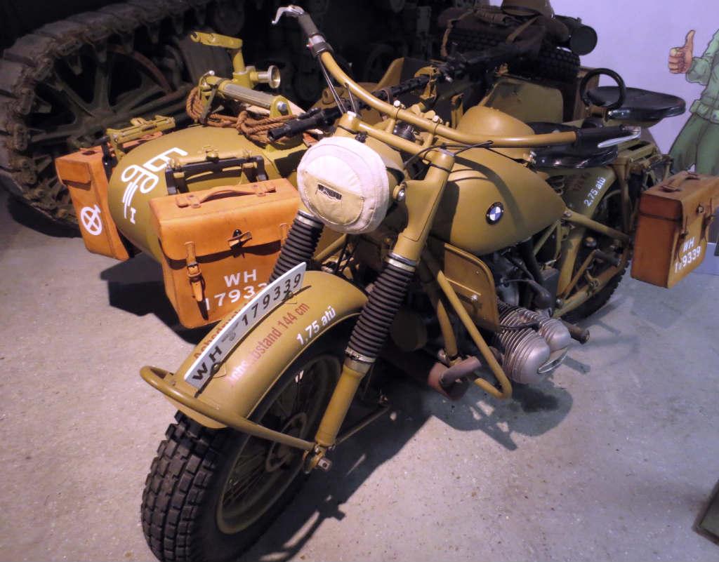 Motorcykel-fran-andra-varldskriget-TravelGrip