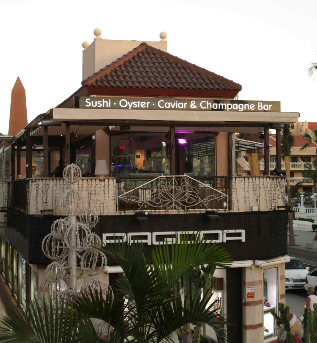 Oyster-Champange-Bar-Playa-de-las-Americas-TravelGrip