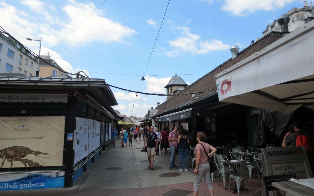 naschtmarkt-market-in-vienna-ladytravelguide