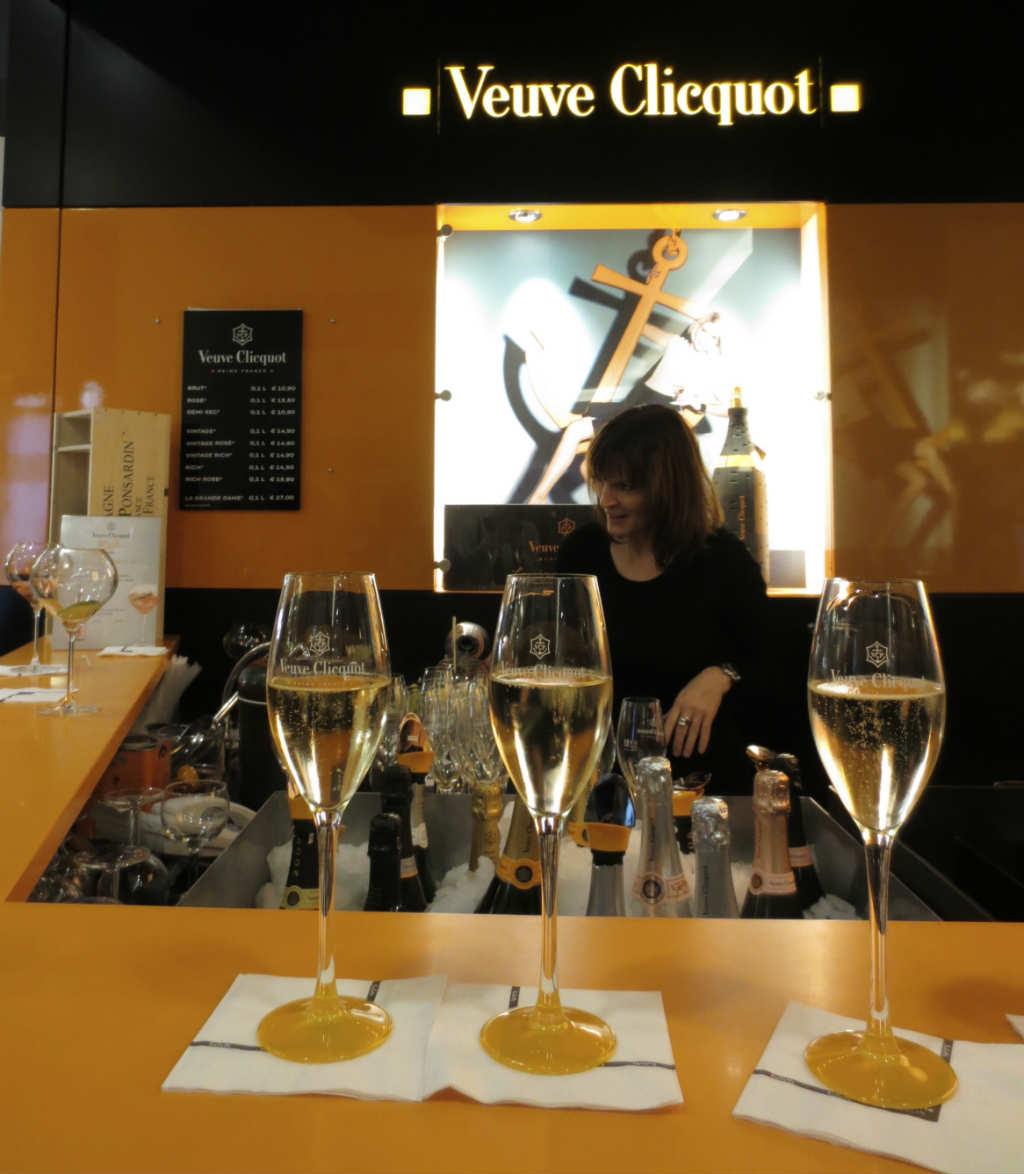 Veuve-Clicquot-Chamapgnebar-KaDeWe-Berlin-TravelGrip-1