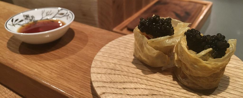 Imouto-Rökt-krabba-och-kaviar-Esperanto-Omakase-sushi-TravelGrip- (5)