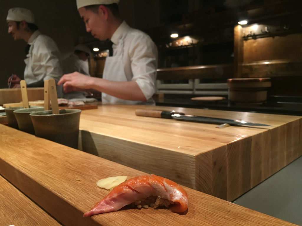 Omakase-restaurangen-Imouto-firar-sin-forsta-stjarna-TravelGrip