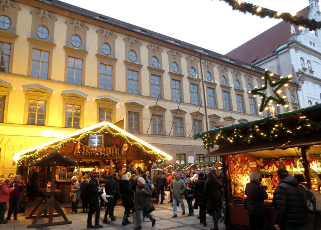 Julmarknad-i-Munchen-Tyskland-TravelGrip-3