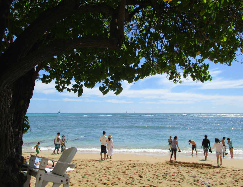 Waikiki-Beach-i-Honolulu-Hawaii-TravelGrip-1