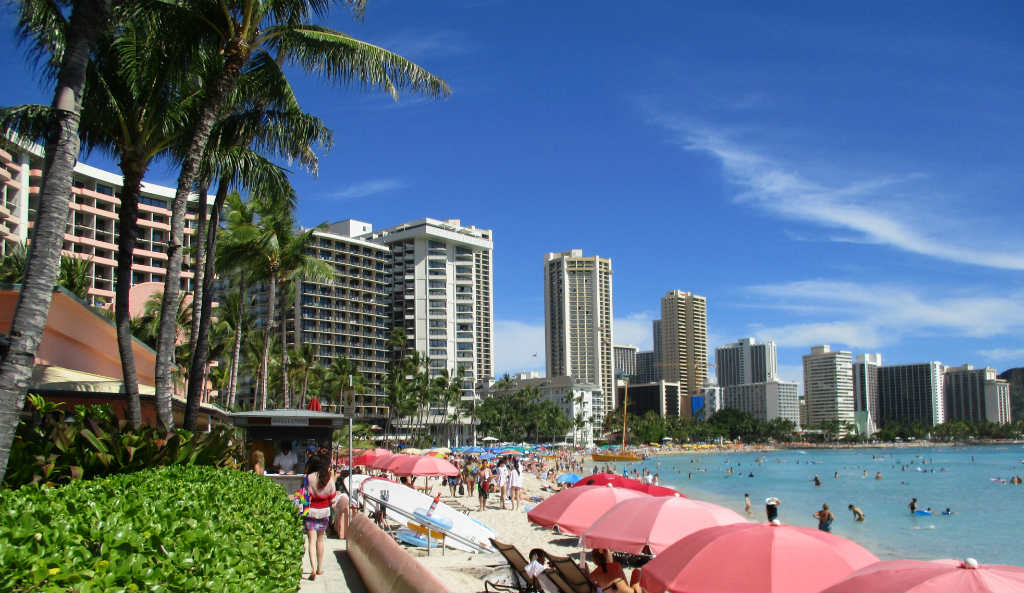 Waikiki-Beach-i-Honolulu-Hawaii-TravelGrip-7