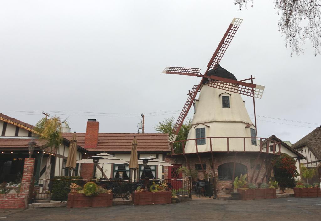 fa-en-kansla-av-danmark-solvang-kalifornien-travelgrip-9