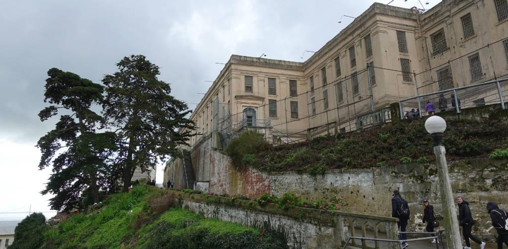 besok-det-historiska-fangelset-alcatraz-kop-biljett-forvag-TravelGrip-11