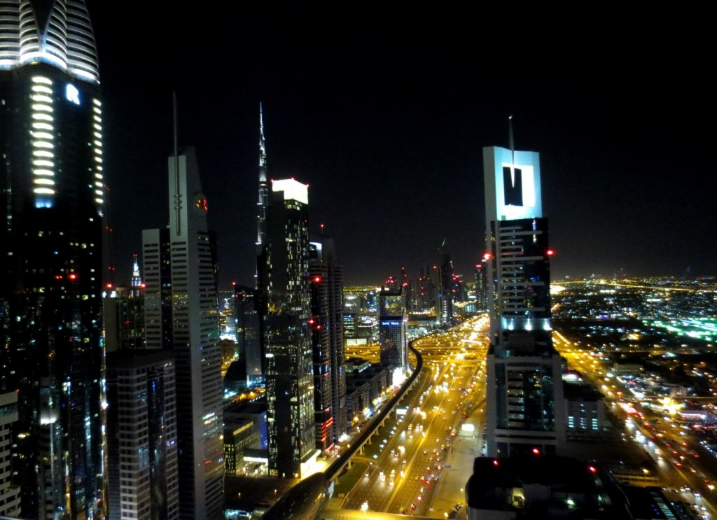 shiekh-zayed-road-dubai-travelgrip