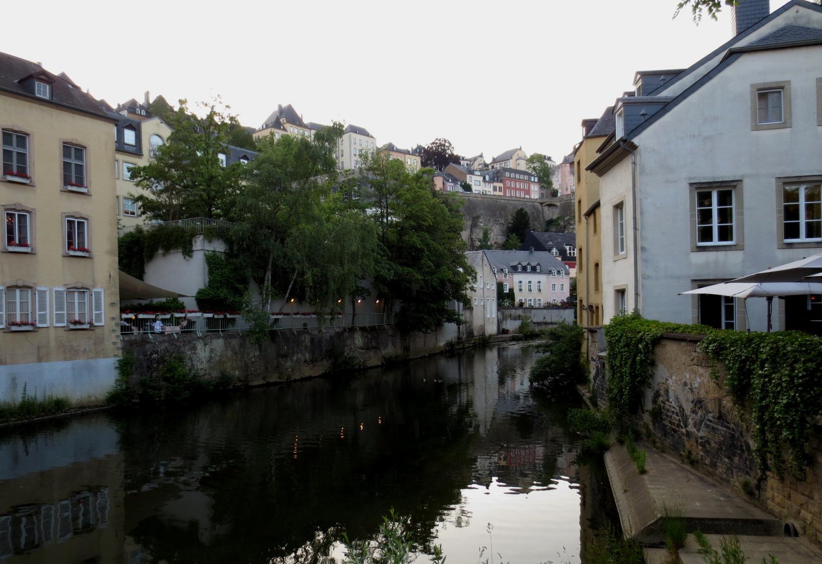Stadsdelen Grund i Luxemburg