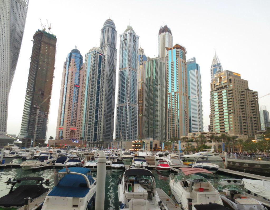 Dubai Marina med sina höghus