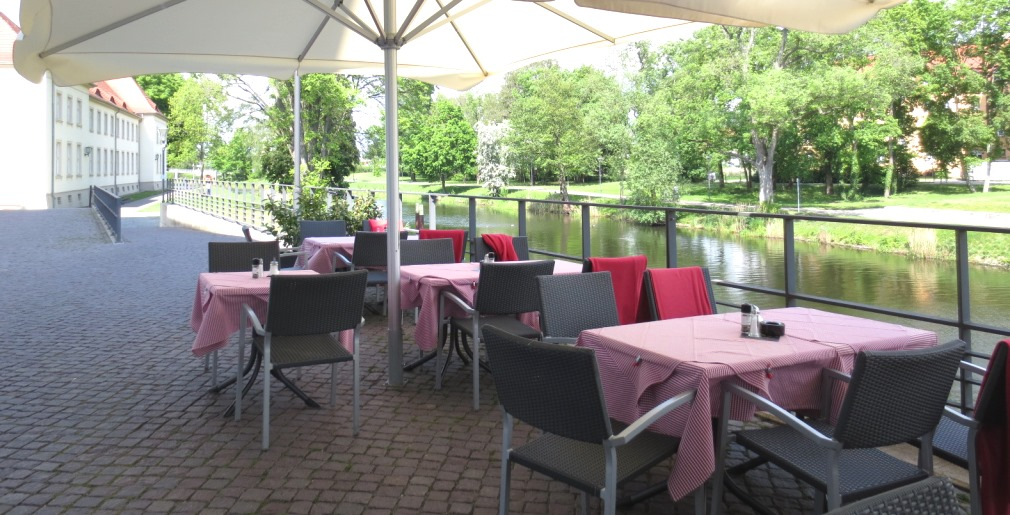 Oranienburg-slott-restaurang-berlin-travelgrip