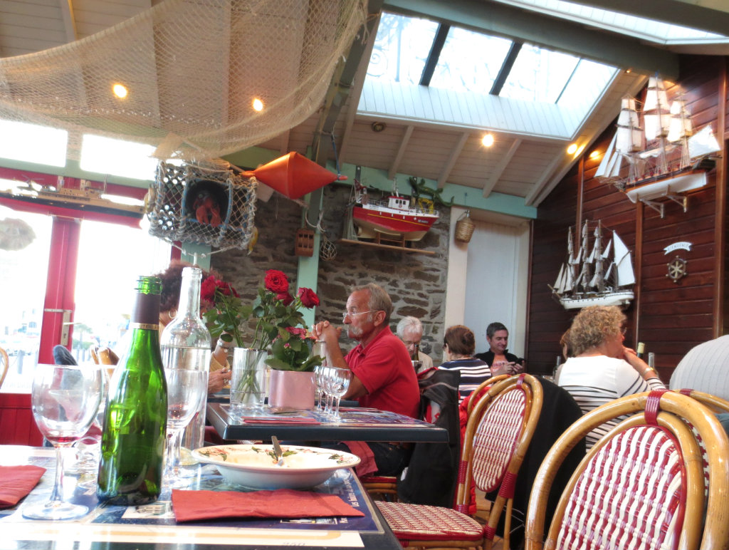 L'Huitiere-Cancale-oysters-bretagne-travelgrip- (9)