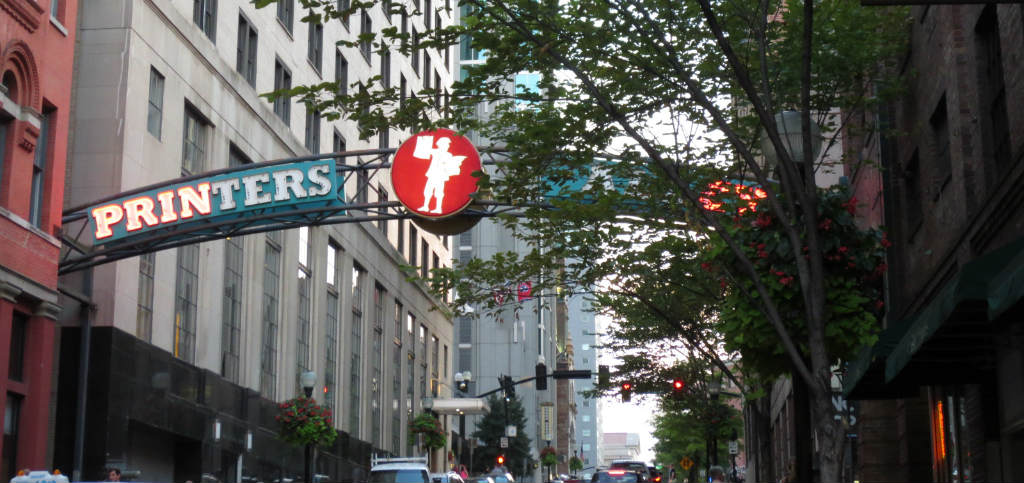 Nashville-printers-alley-travelgrip