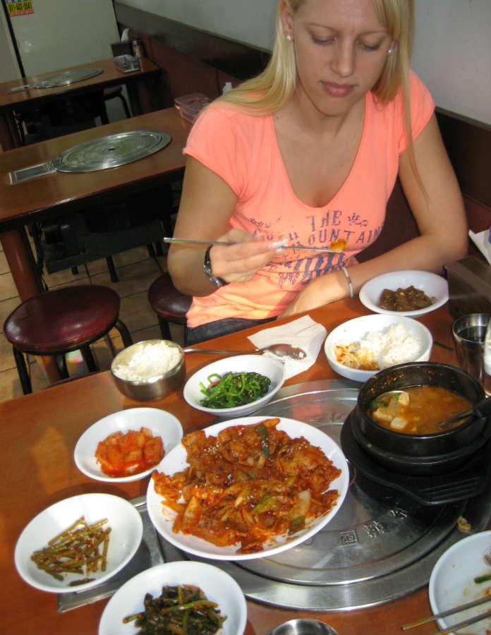 TravelGrip äter Koreansk mat i Seoul